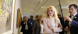 Carmen Cervera i el fins ara director artístic del museu, en la inauguració d''Escenari', la primera exposició del Valira, el març del 2017.
