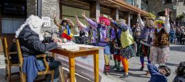 La representació dels 'Contrabandistes', aquest dilluns al migdia a Ordino.