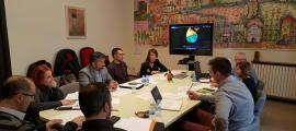 Un moment de la reunió d'ahir a l'Ajuntament de la Seu d'Urgell.