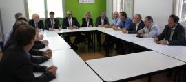 Reunió del conseller d'Interior amb els presidents dels consells comarcals del Pirineu, ahir.