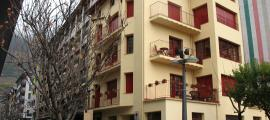 La casa Ribas, al número 50 de l'avinguda Canòlich de Sant Julià, on Amat-Piniella va redactar 'K. L.' Reich'.