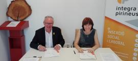 Jesús Fierro i Bibiana Bendicho van firmar ahir el conveni.