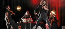 Ara Malikian durant el concert a la sala Prat del Roure d'Escaldes-Engordany.
