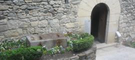 Les mesures bladeres, abans de ser retirades del seu últim emplaçament, a la porta posterior de Casa de la Vall, i restaurades.
