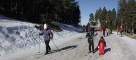 Esquiadors practicant esquí nòrdic en una de les zones de l'estació de Tuixent-La Vansa, el 7 de desembre passat.