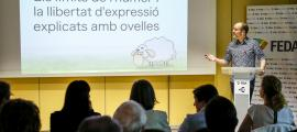 L'il·lustrador i dibuixant de còmics Jordi Planellas en un moment de la xerrada.