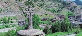 Rèplica de la Creu dels Set Braços al camí de Prats que inspira l'Orde avui a tràmit.