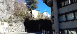 El tronc del colomer, que és tot el que en queda, vist des de Doctor Vilanova.