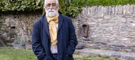 L'escriptor català va presentar ahir 'Escriure Andorra' a la casa d'Areny-Plandolit.