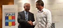 El nou president de la FAN, Joan Clotet i el sotsdirector general banca país d'Andbank, Josep Maria Cabanes.