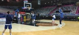 Els homes d'Ibon Navarro durant l'entrenament d'ahir al Poliesportiu d'Andorra.
