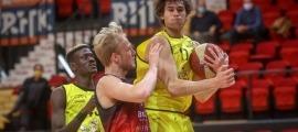 Mario Nakic, fill de l'exjugador croat Ivo Nakic, va jugar el curs passat a l'Oostende. Foto: Twitter