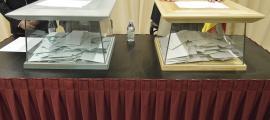 Dues urnes en un col·legi electoral en unes eleccions anteriors.