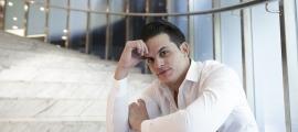 El tenor cubà Andrés Sánchez Joglar, en un recés de l'assaig de dimecres al Centre de Congressos lauredià.