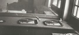 L'estudi i la cabina de control d'Encamp, l'estiu del 1976.