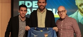 El nou entrenador de l'FC Andorra, Eder Sarabia, al costat dels seus ajudants, Jon López i Manu Torres. Foto: FC Andorra