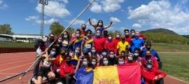 L'equip de la Federació Andorrana d'Atletisme, a Castellar del Vallès. Foto: Twitter Federació Andorrana d'Atletisme