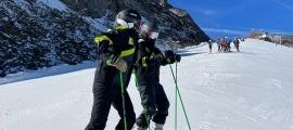 Jessica Núñez i Jordina Caminal, en procés de recuperació, entrenant a Val Senales. Foto: FAE