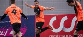 Aitor Alba celebrant el segon gol. Foto: @wally_15and