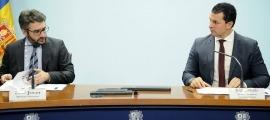 El ministre de Finances, Eric Jover, i el titular de Presidència, Economia i Empresa, Jordi Gallardo, en la compareixença d'ahir.