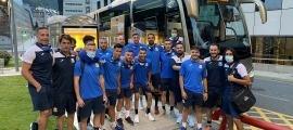 Els colomencs van viatjar en autobús. Foto: Twitter FC Santa Coloma
