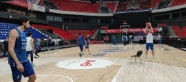 El BC MoraBanc es va entrenar ahir al Basket-Hall de Krasnodar, l'escenari d'avui del primer partit del curs de l'EuroCup. Foto: BC MoraBanc Andorra