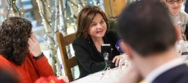 La ministra de Turisme, Verònica Canals, durant l'esmorzar de Nadal del Govern amb la premsa.