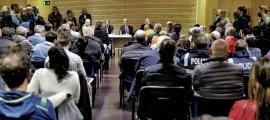 Un moment de la reunió d'ahir al Pas de la Casa, que va comptar amb una alta participació de veïns i empresaris.