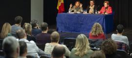 Marsol, Matarrodona i Carmona durant el debat organitzat pel Sitca, ahir al vespre.