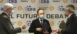 Gerard Cadena, Xavier Espot i Miquel Alabern a la inauguració d' 'El futur a debat' de la CEA.