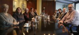 Un instant de la reunió del consell d'administració de la CASS, ahir.