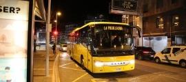 Un autobús de línia en el seu trajecte cap al Pas de la Casa.