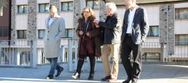 Zoppetti, amb la resta de candidats, ahir a l'edifici de la llar de jubilats d'Escaldes-Engordany.