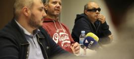 Marc Latorre, David Latorre i el tresorer de l'associació, Jordi Casellas.