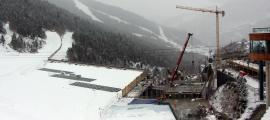 ANA/ L'estat actual de la plataforma de Soldeu, ja amb l'enllaç operatiu des del poble fins a les pistes d'esquí.