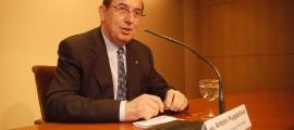 Antoni Puigdellívol en una compareixença com a ministre de Turisme i Medi Ambient.