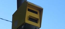 Un radar de velocitat instal·lat a la xarxa viària.