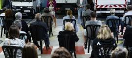 Una cinquantena de veïns del Cedre han assistit a la reunió de barri convocada pel Comú