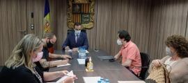 Un moment de la reunió del ministre Torres amb el sector turístic.