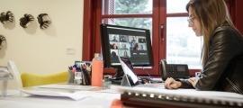 La titular de Cultura i Esports, Sílvia Riva, al seu despatx ministerial.