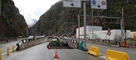 Els treballs de reconfiguració dels carrils de circulació a la sortida nord del túnel de la Tàpia i l'enllaç d'Aixovall a la CG-1.
