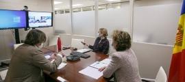 Un moment de la reunió que ha mantingut aquest dimarts la ministra d'Afers Exteriors, Maria Ubach.