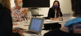 El director de Patrimoni, Xavier Llovera, i la ministra de Cultura, Sílvia Riva, en una reunió del Consell Assessor del Patrimoni.