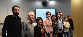 Foto de família dels investigadors que han participat en 'Memòries de la construcció de l'avinguda Meritxell' amb la cònsol Marsol i la ministra Riva,