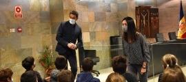 Un moment de la visita dels alumnes de l'escola francesa al Comú d'Ordino.