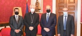 Vives amb els parlamentaris de Terceravia al Palau episcopal.
