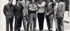 Danjon, al centre de la imatge, en una escena captada als primers anys 60 a la terrassa de Radio Andorra; a la seva esquerra, l'actriu catalana Mary santpere.